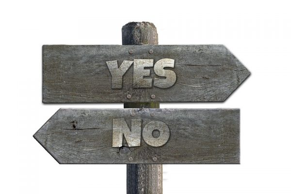 Yes No signpost for choosing a lawyer